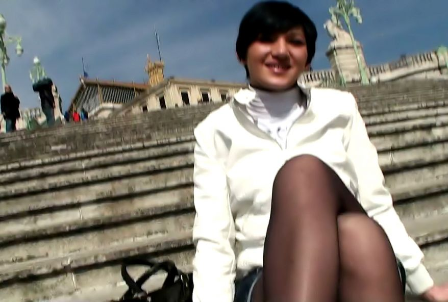 rencontre sexe sur Marseille avec une jeune etudiante coquine