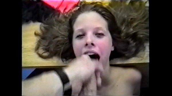 ejaculation faciale sur Karen