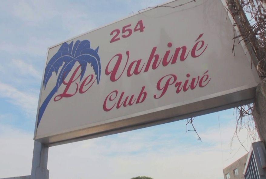 black libertine baisée au club libertine le Vahiné à Marseille