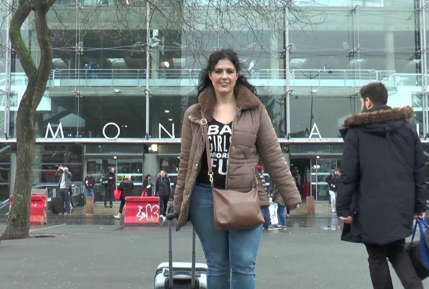 dans le cul d'une mère de famille espagnole en vacances à paris