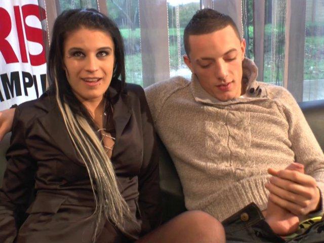 video du dépucelage anal sportif d'une jeune salope