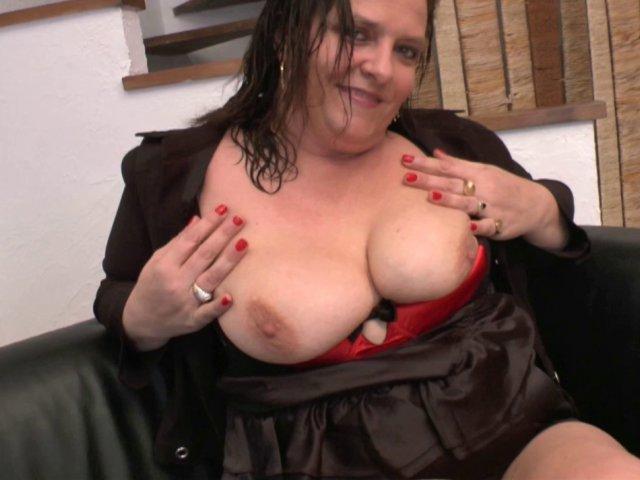enculer une maman à gros seins