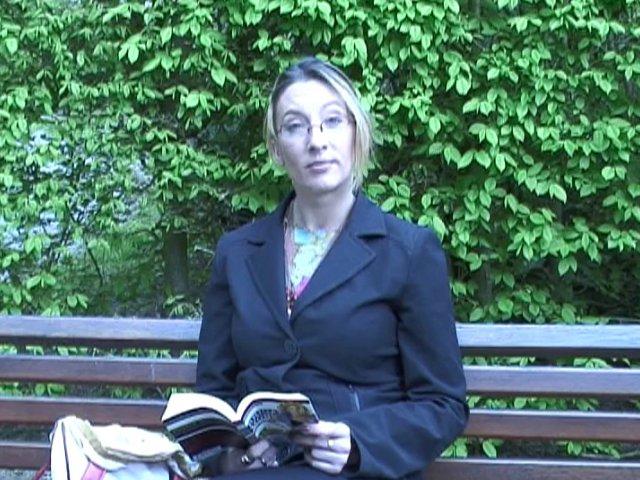 draguer une vraie salope dans un jardin public
