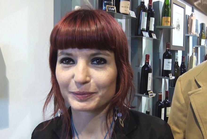 A paris on a rdv dans une cave à vin pour y baiser une amatrice