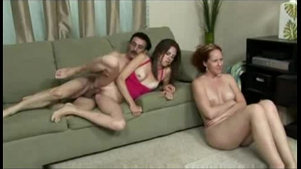 family gets a nude portrait