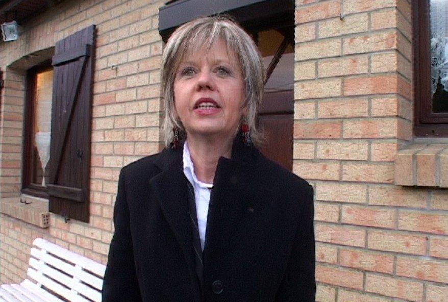 femme mature de Calais tourne sa premiere video