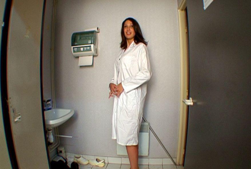 beurette française sodomisée les vestiaires de son lieu de travail