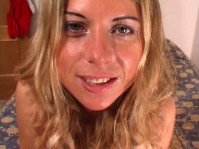cochonne blonde en recherche de sexe