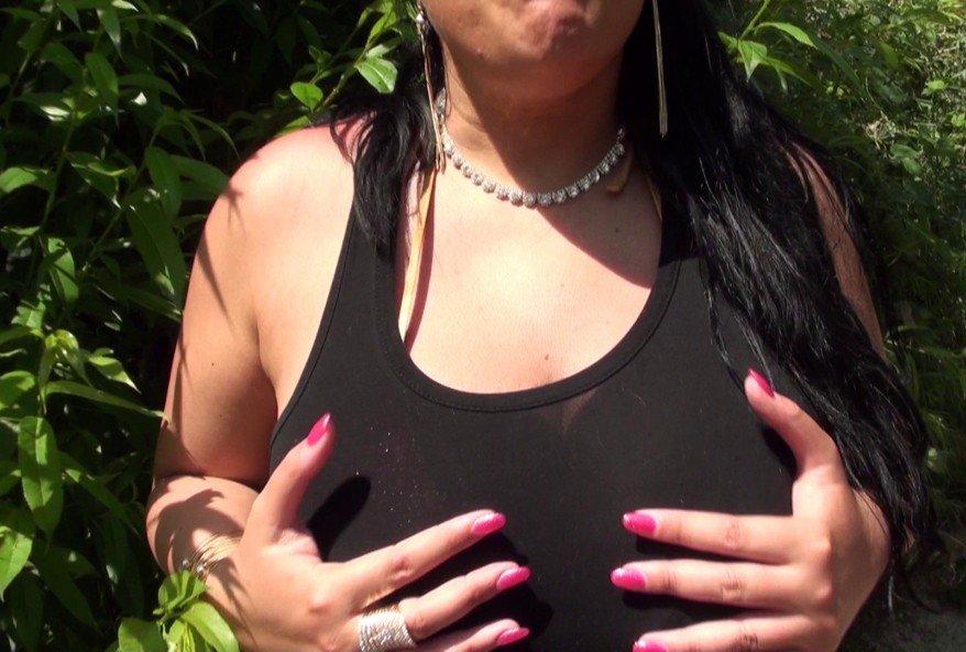 sexe en plein air avec une furie au gros cul
