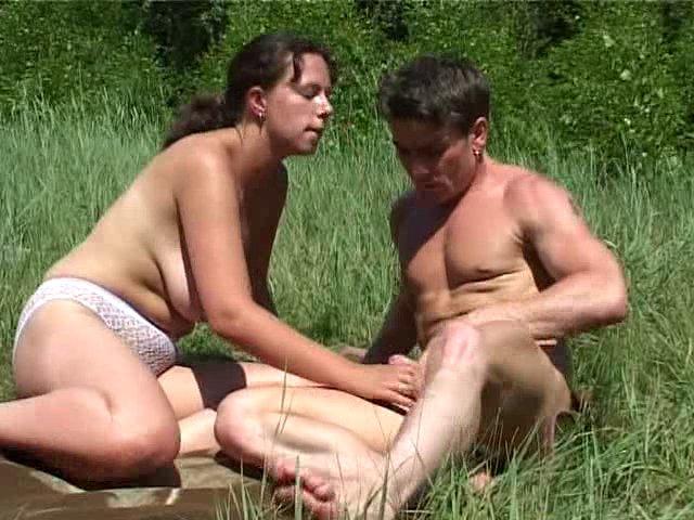 sexe en plein air entre midi et deux