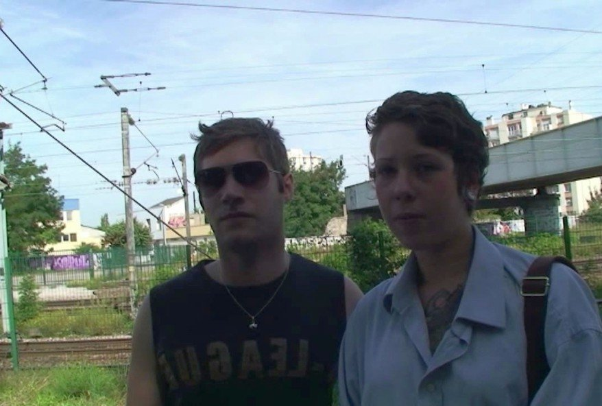 couple amateur filmé lors du premier gangbang de mademoiselle