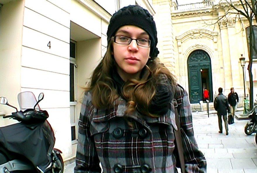 etudiante parisienne baise avec un couple libertin apres la fac
