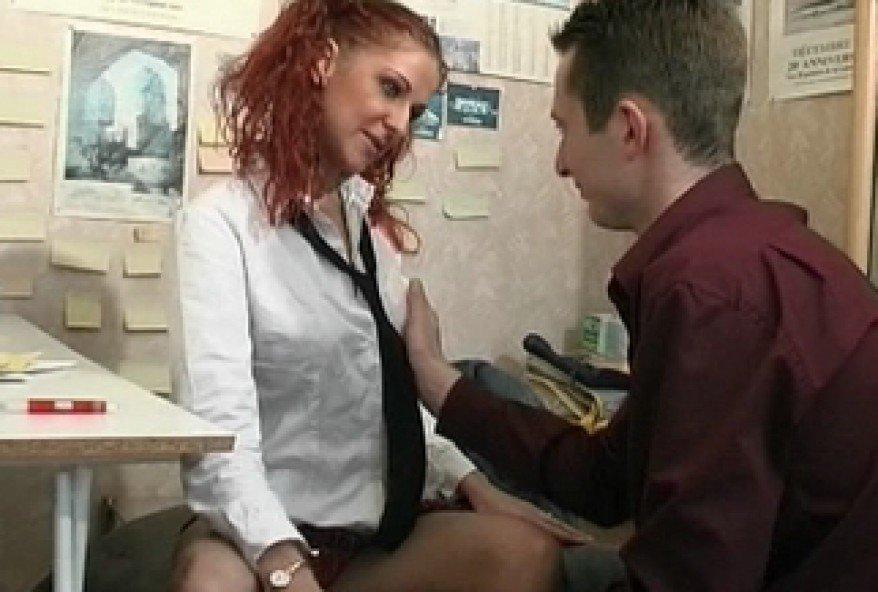 jeune chaudasse de 18 ans sodomisée par le prof d'anglais
