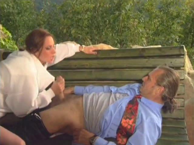 sexe en plein air pour ce couple exhib