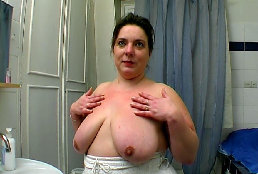 maman salope à gros seins defoncée par des jeunes