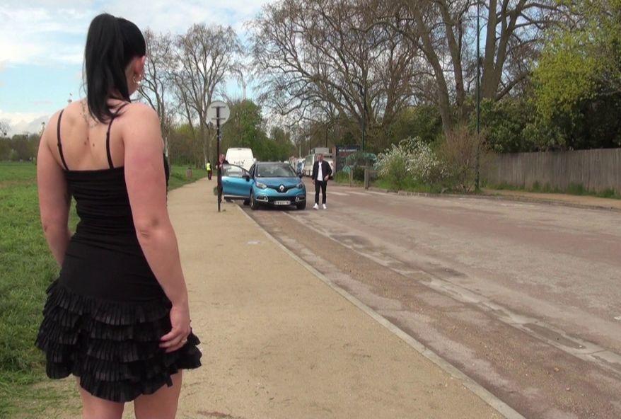 amatrice sexy se prostitue au Bois de Boulogne