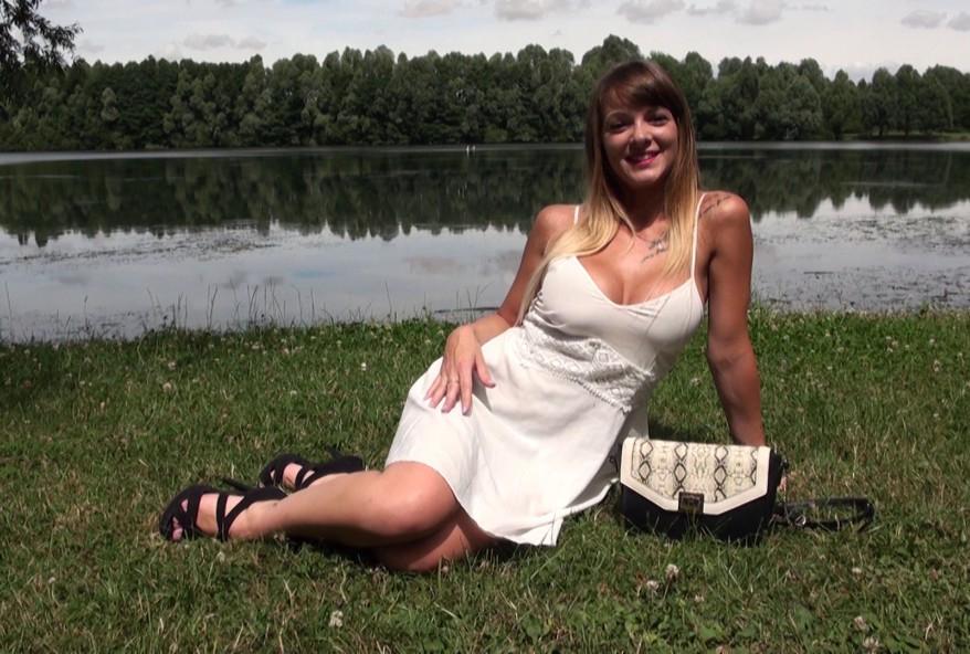 amatrice française baisée en plein air