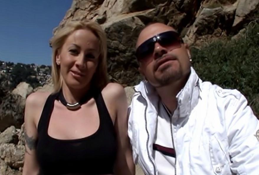 sexe à la plage avec une jolie blonde