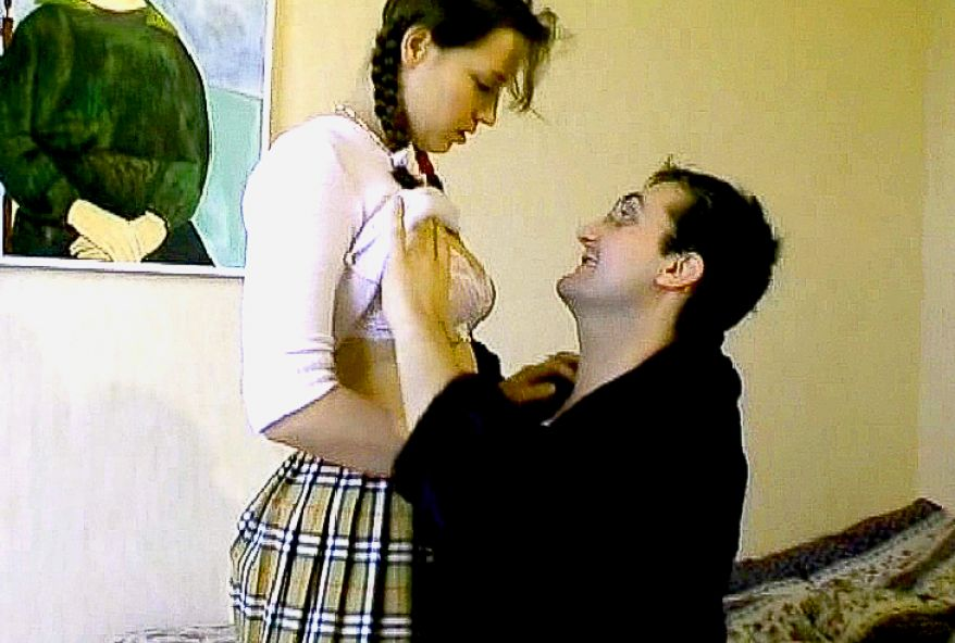 baiser une jeune coquine à gros seins de 19 ans