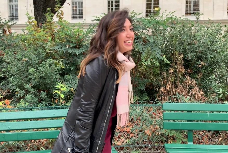 baiser une jolie touriste mexicaine sur paris