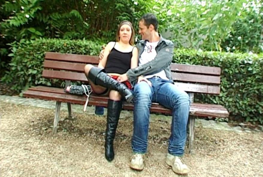 couple amateur de Clermont-Ferrand adorant baiser