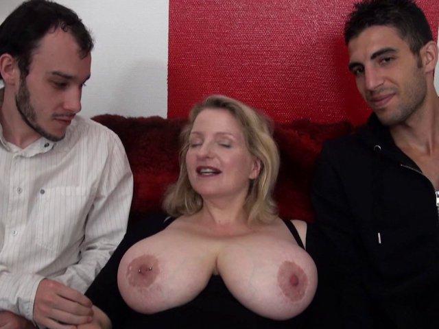 française à gros seins de 45 ans