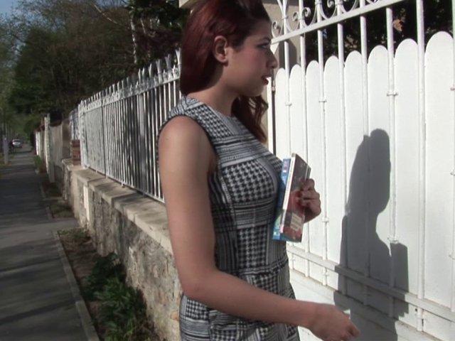 jeune amatrice tres coquine prend des cours d'anglais