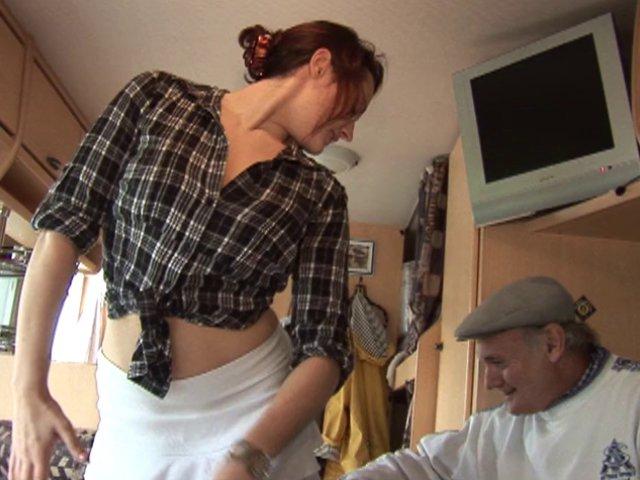 femme de ménage enculée par son patron