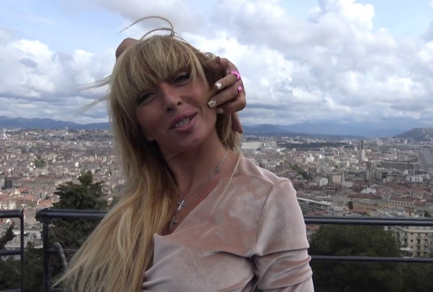 blonde cochonne de La Rochelle